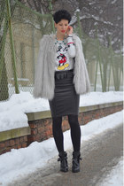 H&M sweatshirt - Zara boots - Lookbook Store coat - H&M Trend skirt