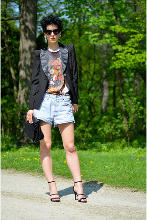 Sheinside blazer - Zara shoes - H&M shoes - Levis shorts - zeroUV sunglasses
