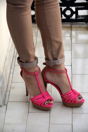 hot pink Zara sandals