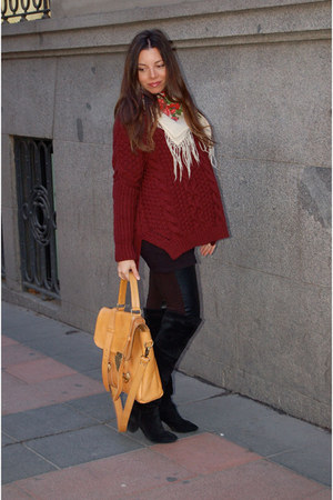 knitwear Zara sweater - 220V boots - leather H&M leggings - vintage scarf