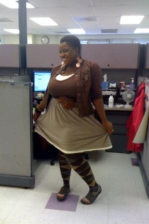 tights - Old Navy skirt - Aeropostale shirt - Parang shirt - unknown belt - earr