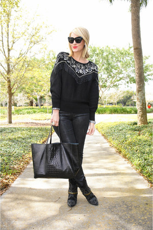 black vintage sweater - black Nine West boots - black Levis jeans