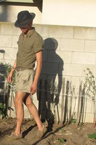 black Urban Outfitters hat - green H&M shirt - beige yoko devereaux shorts - bei