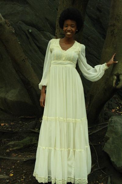 Maxi dressmaxi dresses womens fall 2011 mens wedding shoes for Shoes for maxi dress wedding