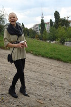 black Balzar boots - green Secondhand sweater - black H&M tights