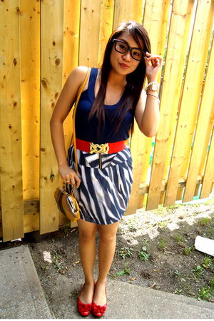 red Costa Blanca bag - brown Forever 21 shoes - Forever 21 shorts