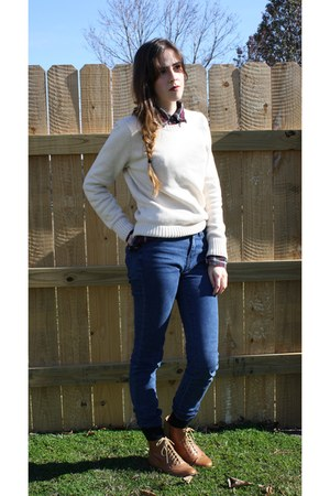 Ross sweater - lulus shoes - Urban Outfitters jeans - Wet Seal Seal top