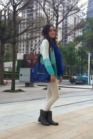 blue scarf - silver boots - aquamarine sweater - white leggings - blue bag