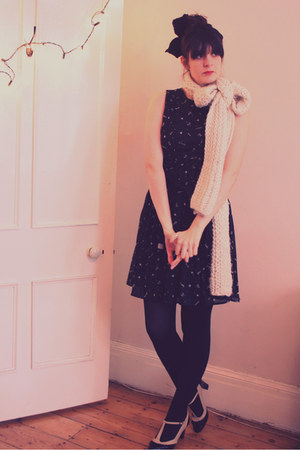 black Mango dress - cream Zara scarf - black heels