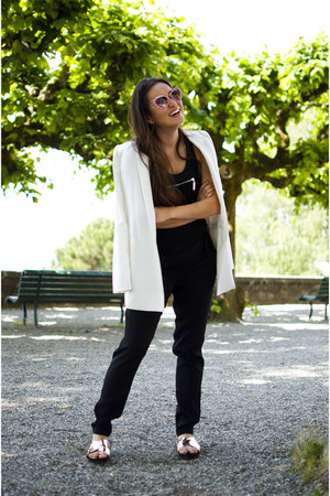 white Mango blazer - gold sandals vagabond shoes