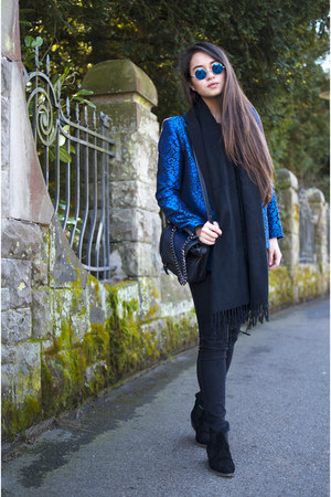 blue leopard print SANDRO blazer - black Ganni boots - black H&M jeans