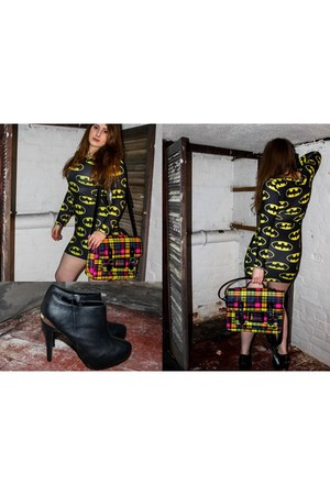 black boots - black Batman dress - yellow Victorias Collection bag