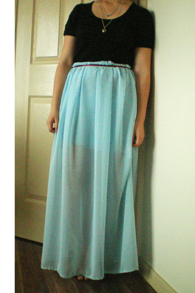 light blue sheer DIY maxi skirt - black cotton on t-shirt