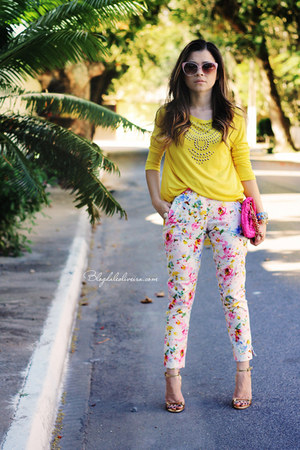white pants - pink pants - hot pink bag - yellow blouse