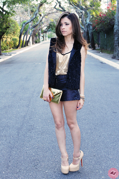 gold shirt - gold bag - black shorts - beige pumps - black vest