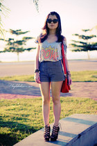 silver shirt - carrot orange bag - navy shorts - black sunglasses