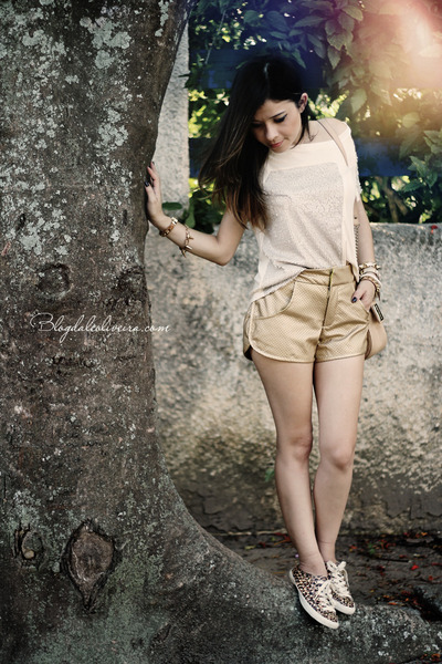 cream shirt - gold shorts - brown flats