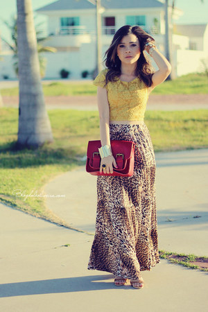light yellow top - red bag - bronze skirt