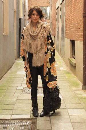 H&M Trend scarf - vintage boots - Winter Kate cardigan