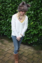 white H&M sweater - light brown tall classic Ugg Australia boots