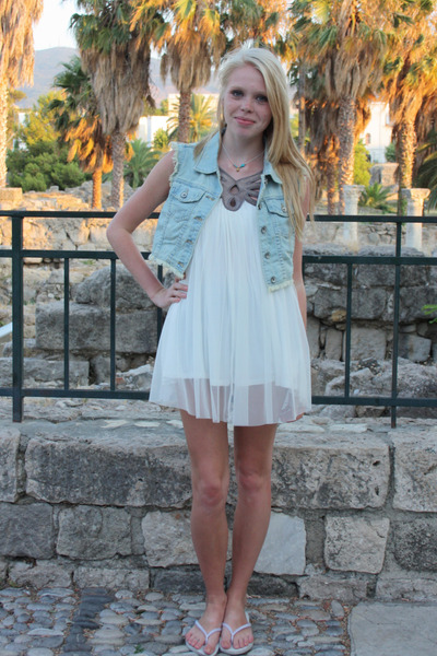 blue asos vest - white Topshop dress - white Havaianas shoes - blue no brand nec