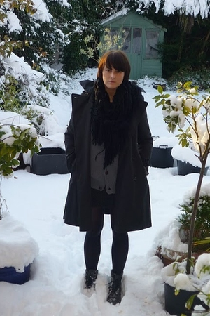 black Gap jacket - gray farah cardigan - black M&S scarf - black charity shop sk