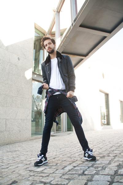 Topman jeans - Zara jacket - H&M shirt - New Balance sneakers