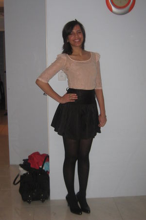 black Valleygirl skirt - pink bardot top - black Innui shoes - gold