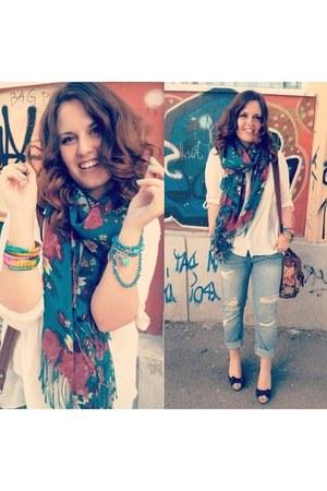 sky blue boyfriend Zara jeans - teal floral H&M scarf