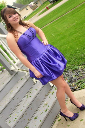 purple Jessica McClintock dress - purple Carlos Santana shoes - black Icing neck