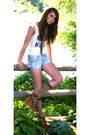 White-forever-21-t-shirt-blue-american-eagle-shorts-brown-wetseal-shoes-gr
