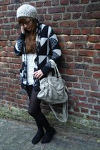 black wool Forever 21 cardigan - silver Urban Outfitters bag