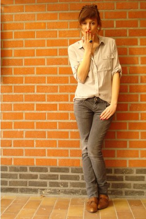 brown new look shoes - heather gray Zara jeans - heather gray H&amp;M shirt - blue Y