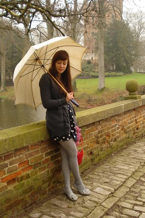navy cotton Primark dress - heather gray wool H&M tights - ruby red Zara scarf -