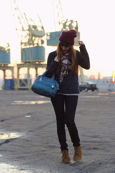 navy skinny G-Star jeans - magenta knitted Zara hat - navy sparkly Zara sweater
