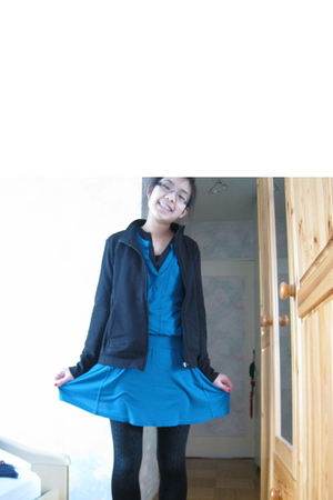black Uniqlo cardigan - blue Mango dress - black H&M tights - black rayban glass