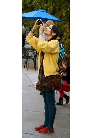 red shoes - light yellow sweater - teal tights - brown purse - black top