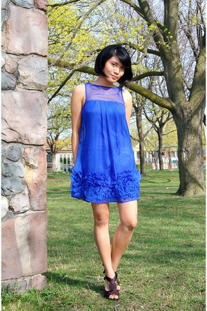 blue Urban Behaviour dress - black Brida shoes