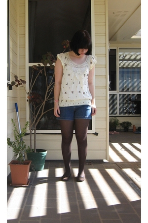Shareen shirt - Target Australia shorts - Myer tights - Sandler shoes