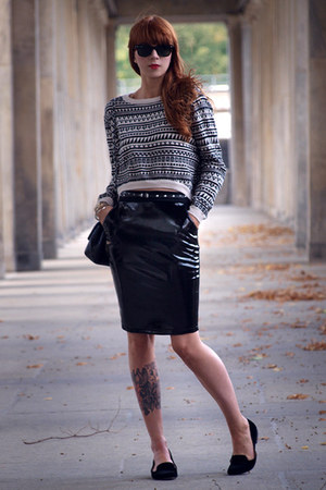 black H&amp;M skirt - black Chanel bag - black H&amp;M jumper