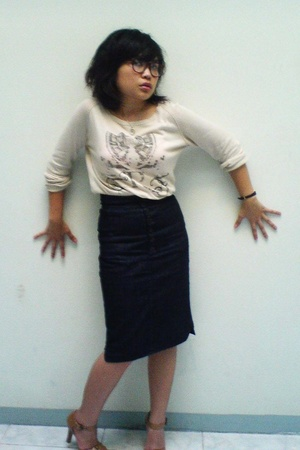 Zara sweater - Mango skirt - Charles &amp; Keith shoes - vintage glasses