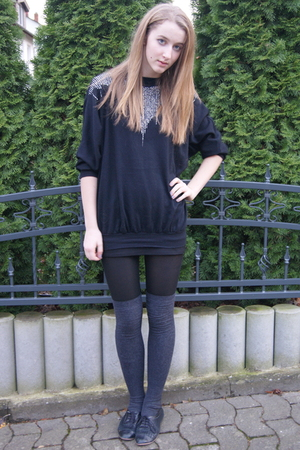 black Beyond Retro sweater - gray H&M socks - black Topshop shoes