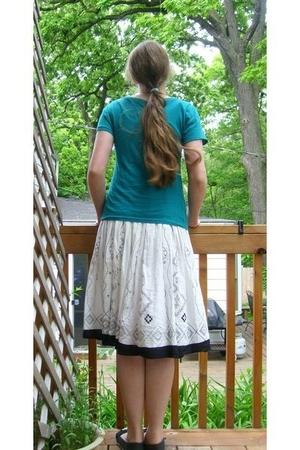 Old Navy shirt - skirt - kohls shoes - kohls necklace