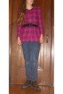 Pink-jacket-black-boots-blue-so-jeans-black-belt