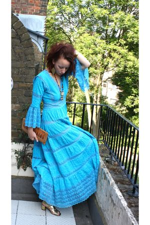 blue vintage 70s dress - gold vintage 70s shoes - yellow vintage 80s accessories