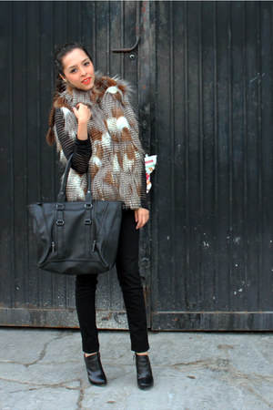 dark brown vest - black Nine West boots - black H&M jeans