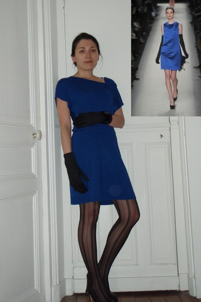 Blue Dresses Black Tights Black Gloves Black Shoes ...