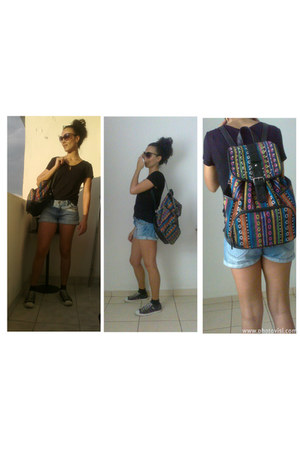 black basic Converse sneakers - backpack Renner bag - denim shorts Renner shorts