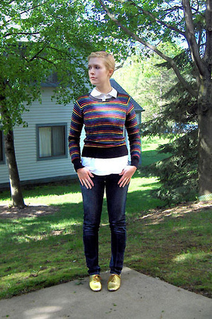 H&amp;M sweater - H&amp;M shirt - made by elves shoes