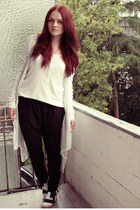 navy Tommy Hilfiger shoes - white H&M top - black H&M pants - white Only cardiga